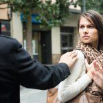 もうやめて!嫌がらせをする人の心理や特徴、対処法を考えよう