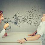 文句や不平不満ばかり言う人の心理や特徴、付き合い方について考えよう