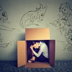 いつも罪悪感が消えないことが辛い……得体の知れない罪悪感を消す方法とは?